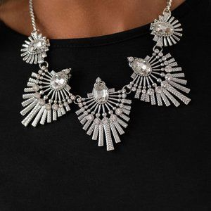 Miss YOU-niverse - Silver, Necklace set